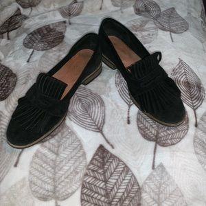 Shoes - Seychelles soft genuine suede shoes